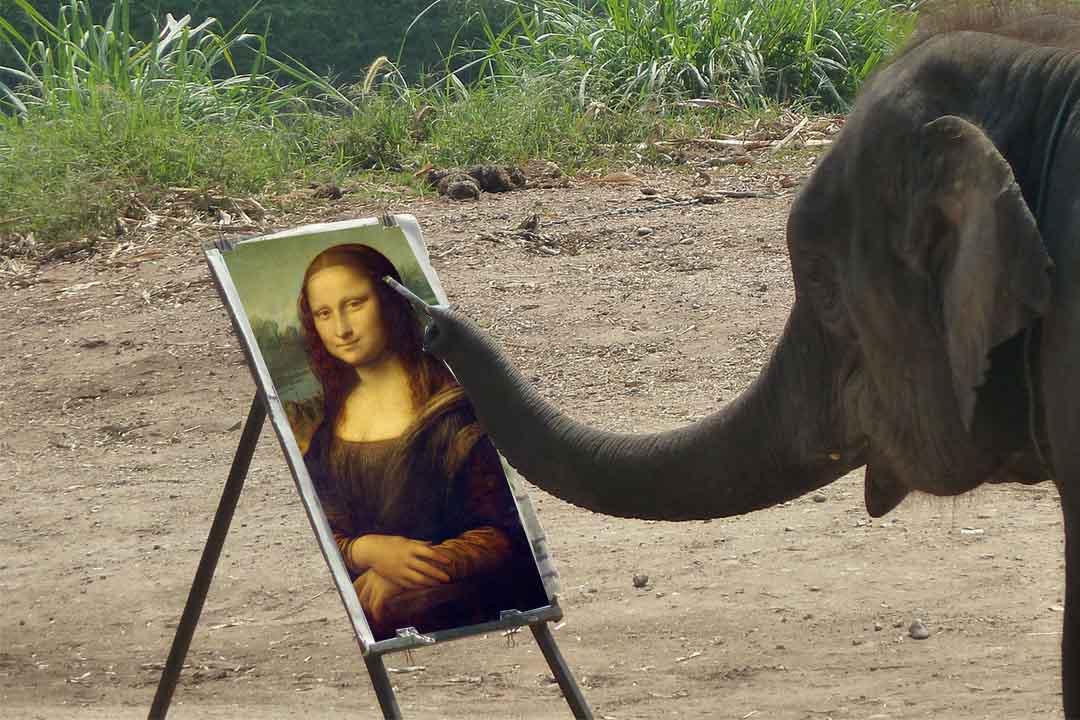 Keepers At Australia Zoo Teach An Elephant To Paint The Mona Lisa