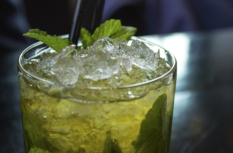 mojito_Why_Serving_Goon_Punch_At_Your_Wedding_May_Not_Be_As_Bad_As_It_Seems?